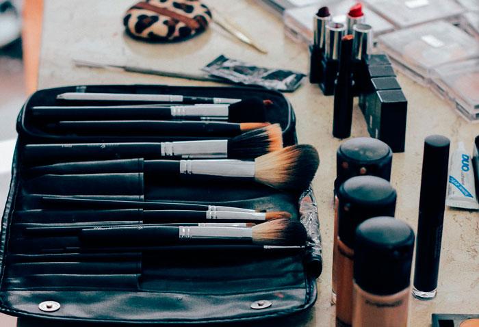 Evitar enfermedades por abuso de maquillaje y cosméticos